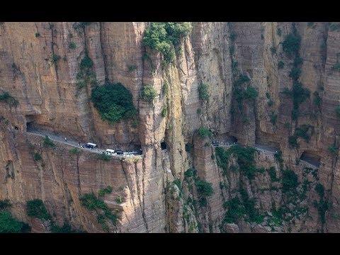 Download Una de las carreteras mas peligrosas del mundo para conducir y que aun esta en uso→ netsysmX
