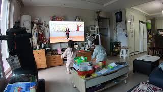 비오,송이의 고등어노래 율동 연습중(2019년9월22일…