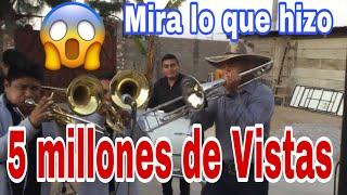 Este trombonista deja impresionados a los de la banda