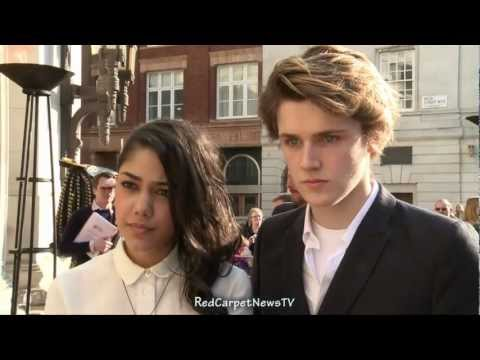 Eugene Simon & Tasie Dhanraj Intervew  House Of Anubis Season 2 UK Premiere