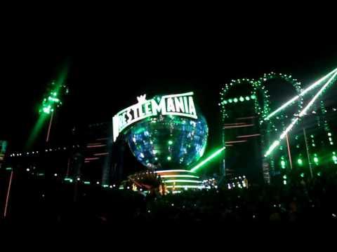 Wrestlemania 33 Pitbull Lunchmoney Lewis and Flo Rida live Greenlight Performance