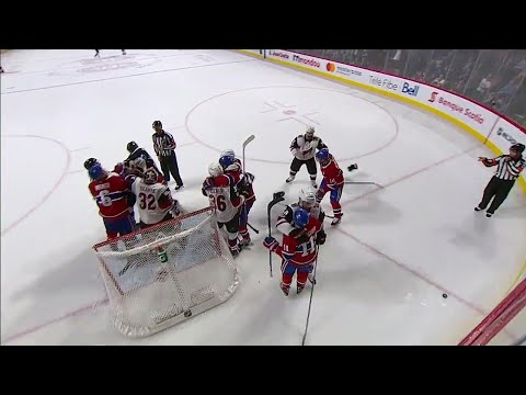 Richardson and Plekanec drop the mitts during scrum