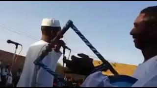الفنان ود احمودي في حفله