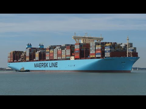 MOSCOW MAERSK maiden voyage arrival at port of felixstowe 28/8/17