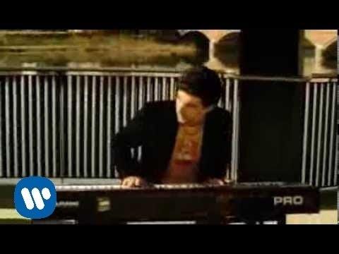 sugarfree-solo-lei-mi-da-videoclip-warner-music-italy