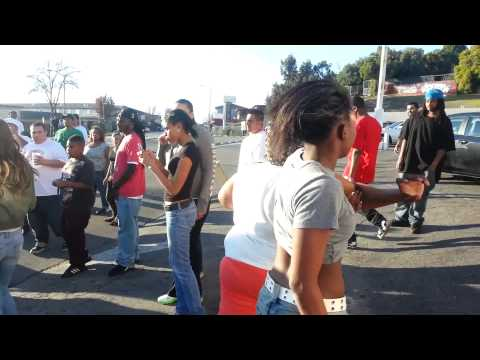 EAST Oakland GIRL FIGHT!!!