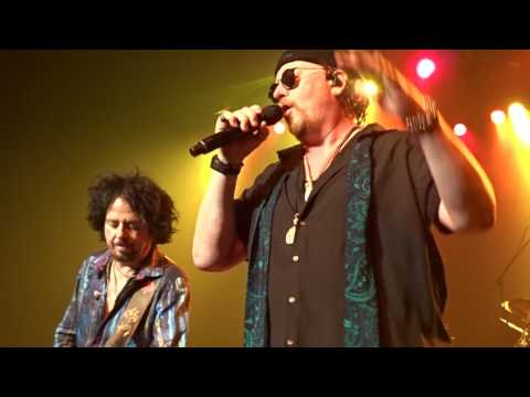 Africa  Toto   in Montreal 11062017