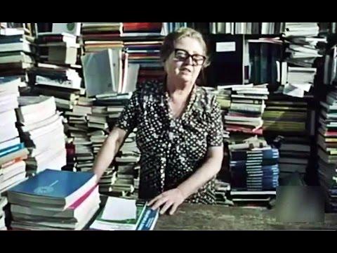 1980 Librería La Casa de la Troya - Laurita Requena - Calle de los libreros, Madrid