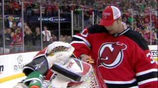 Martin Brodeur passes Patrick Roy with his 552nd career victory