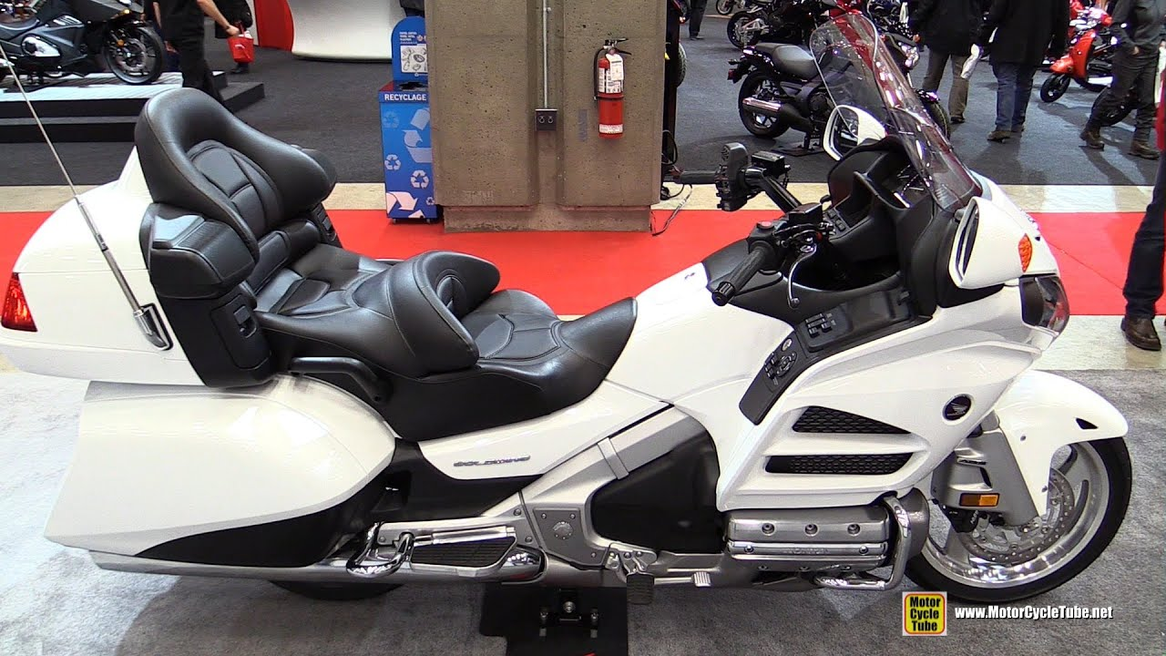 2015 Honda Goldwing 40th Anniversary Edition - Walkaround - 2015 Salon Moto de Quebec - YouTube
