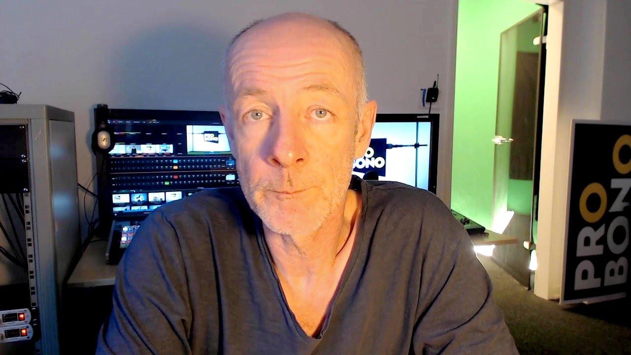 Friedrich Kuppersbusch Uber Youtube Tv Und Seine Glatze Dbate De Interview Youtube