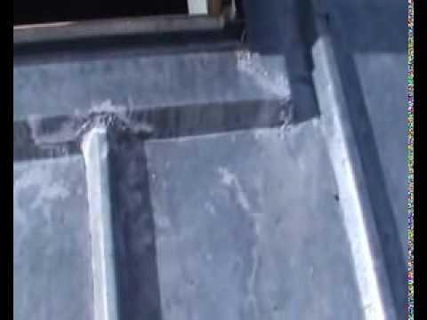 Toiture95 couvreur pontoise val d 39 oise r alis une toiture en zinc suresnes youtube - Colmater une gouttiere en zinc ...