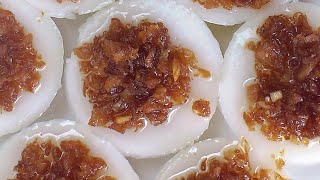 Chwee Kueh (水粿; Steamed Rice Cakes) **