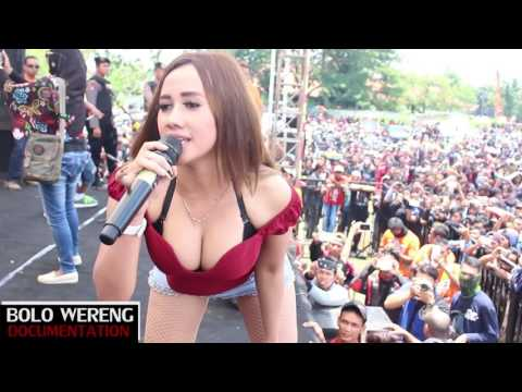 Vidéo-clip Uut Selly Ra Kuat Mbok DANGDUT KOPLO HOT 2017
