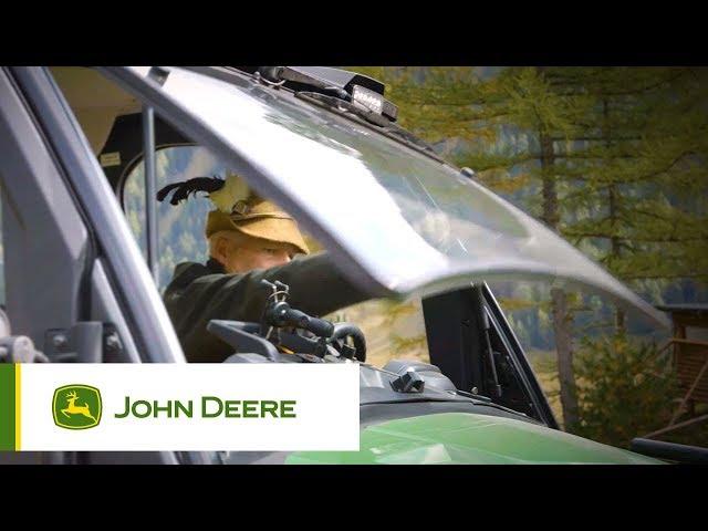 Pojazdy użytkowe John Deere - Otwierana szyba przednia