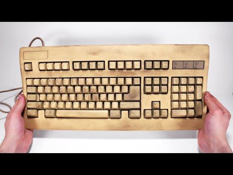 I Restored This Yellowed Keyboard For My Home Office - Retro Tech Restoration