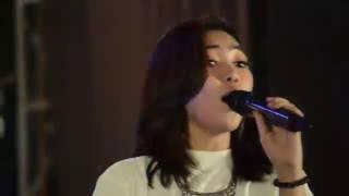 Isyana Sarasvati Pesta All or nothing band solo performance