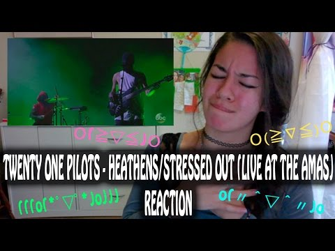 Twenty One Pilots - Heathens/Stressed Out (Live...