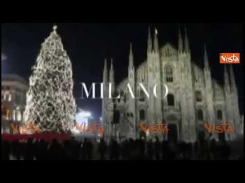 Albero Di Natale Milan.Alberi Di Natale 2016 Tra Roma E Milano Il Confronto E Impietoso