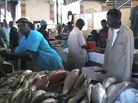 Sénégal  artisanat les tableaux sablés , marché de Dakar