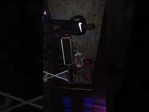 Dj Anthony y Danny Daniel  Leo maxi tk sonando el Super Willy en concierto