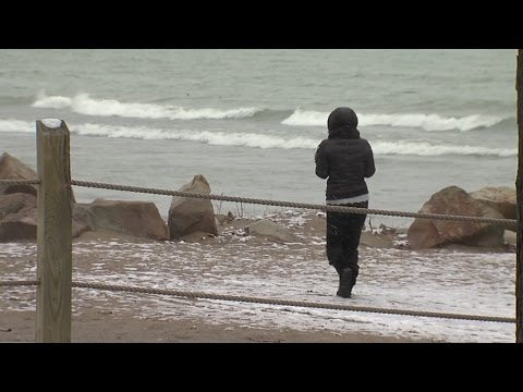My Ohio | A visit to the Cleveland beaches of Lake Erie in the wintertime