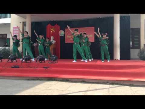 Chúng em hành quân theo bước anh hùng - Lớp 5A tiểu học Sơn Cẩm 3