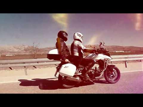Riding crossrunner (vfr 800x)