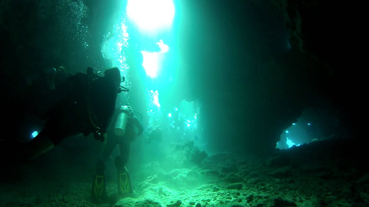 Scuba Diving The Cathedrals Ii Lanai Hawaii Part 1 Mp4