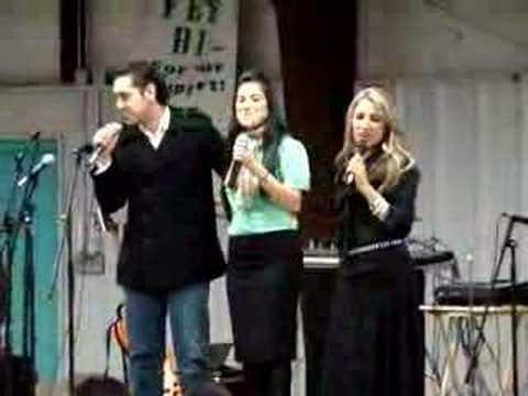 Mayra Leal, Giovana Leal y Miguel Leal   Somos Soldados