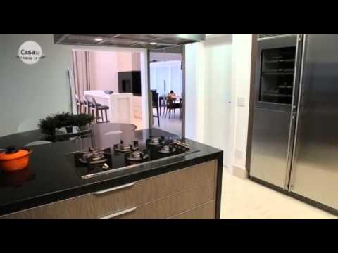 Casa moderna como integrar sala cozinha e churrasqueira for Salas de casas modernas
