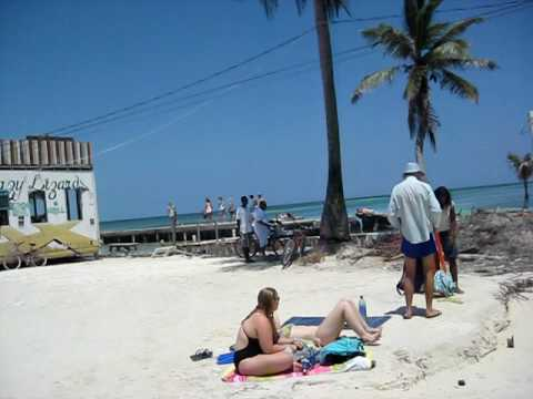 The Split & Lazy Lizard Bar - Belize Caye Caulker