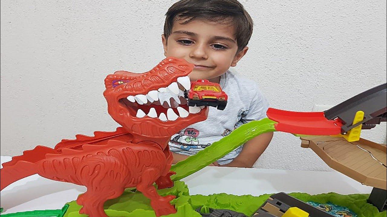 Hot wheels TRex çılgın dinazor oyuncak açılımı | Oyuncak videoları