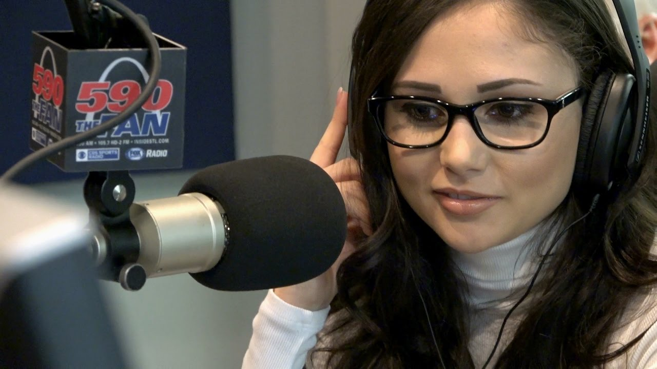 Adult Film Star Ariana Marie In Studio For -6702
