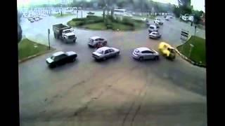 En Korkunç Ve Komik Trafik Kazaları Türkiye Derlemesi 2015 Mobese Kazaları   YouTube