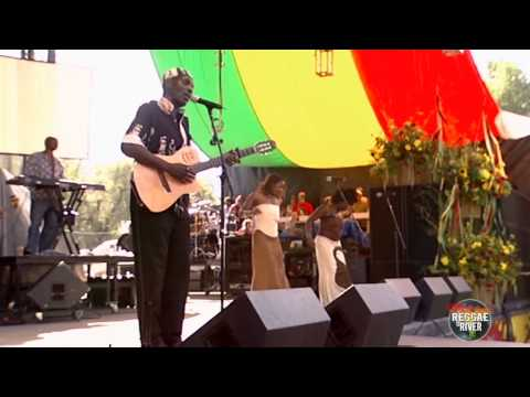 "Oliver Mtukudzi performing ""Help Me Lord I'm Feelin Down"" at Reggae on the River"