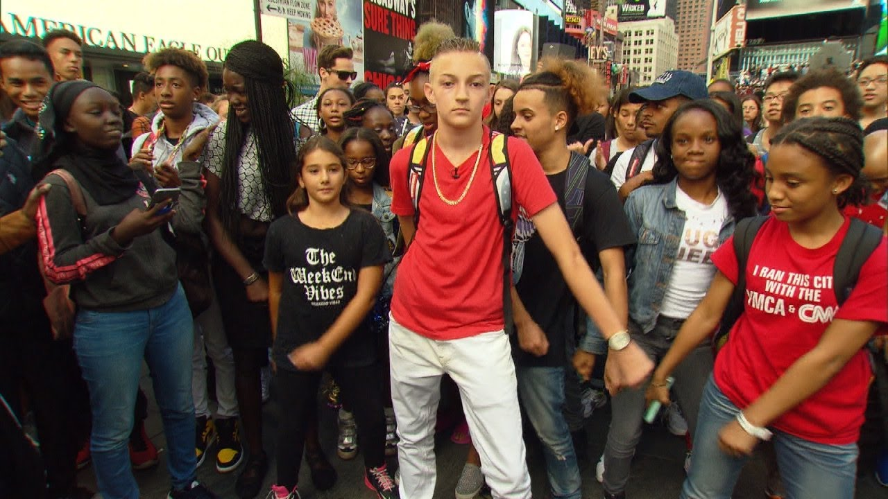Backpack Kid Teaches Fans How To Do His Signature Move Youtube