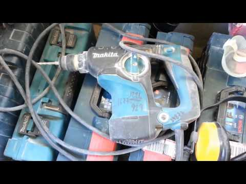 Для электрика- профессиональный электроинструмент.