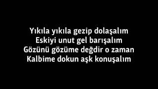 Hande Yener - Alt Dudak Lyrics Video