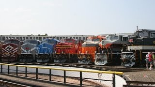 HD: Norfolk Southern Heritage Units roll onto turntable at NCTM