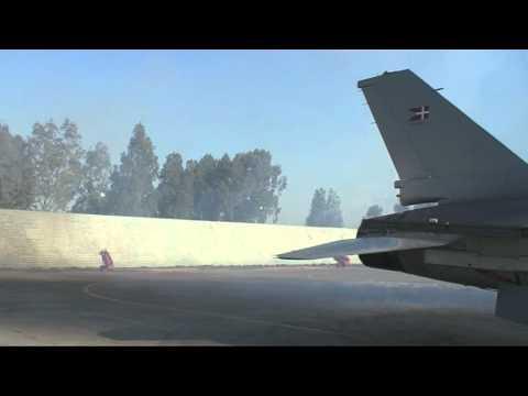 F-16 Brænder Olie