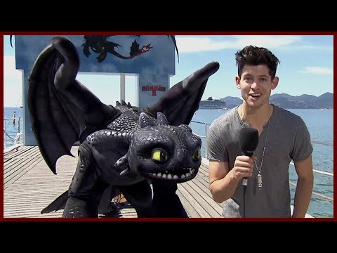 JAY BARUCHEL IS GOOD WITH THE LADIES  How to Train Your Dragon 2 w America Ferrera