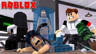 MY EX NOVIO GOLPEES ME AND ATRAPA ! - Flee the Facility Roblox