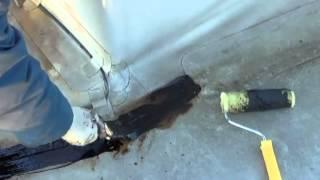 видео Как починить крышу. Ремонт крыши дома.Ремонт крыши после урагана.Как заделать дыру в крыше