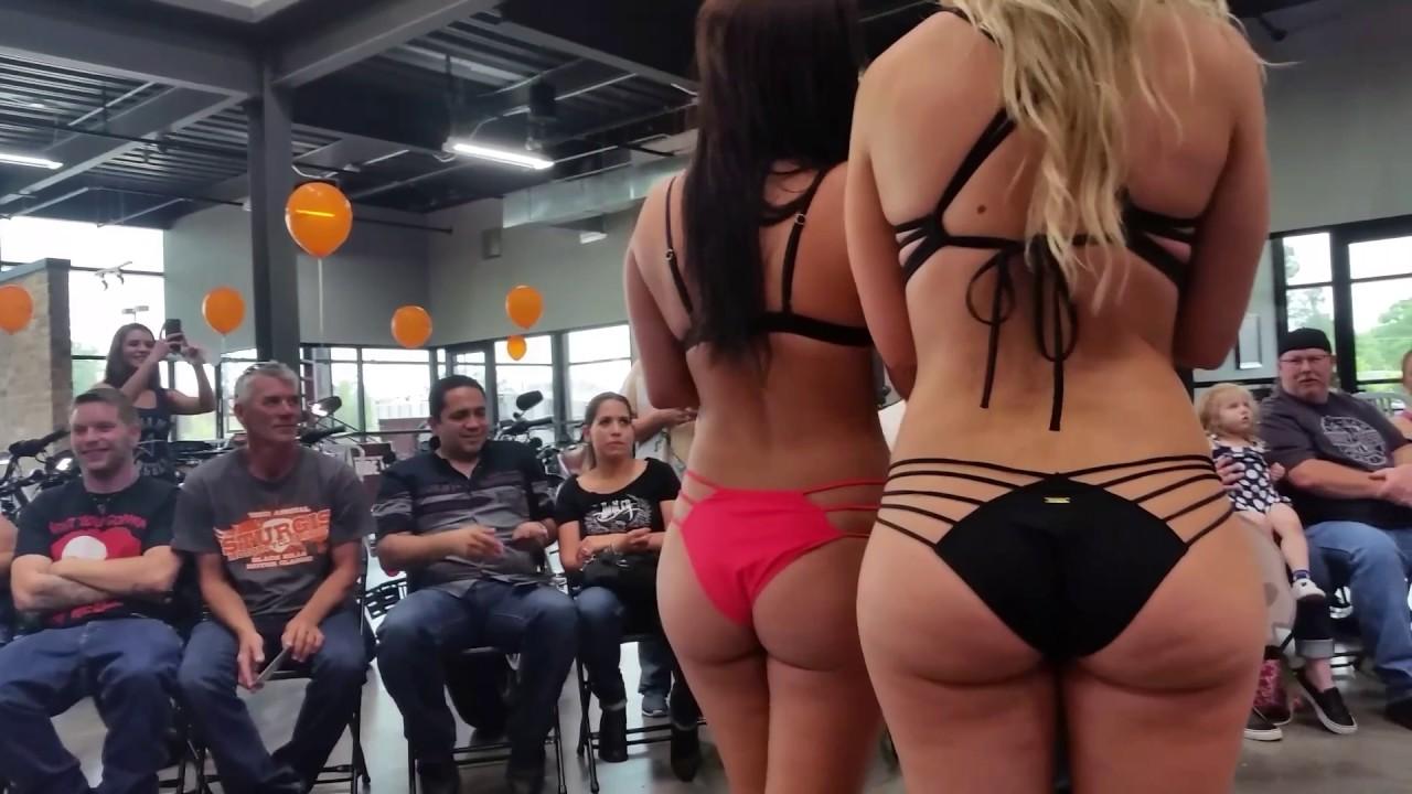 Art nude women clip