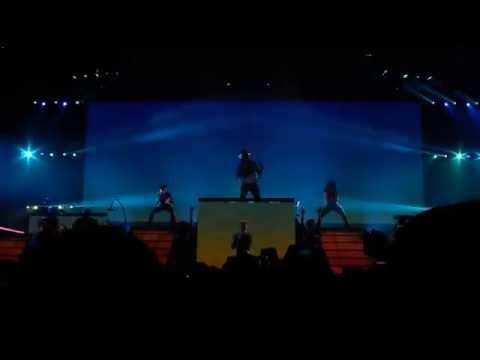 """Pharrell Williams - """"Come Get It Bae"""" Live In Stuttgart (Dear Girl Tour)"""