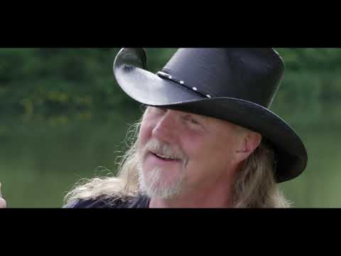 Trace Adkins - Mind On Fishin' (Official Video)