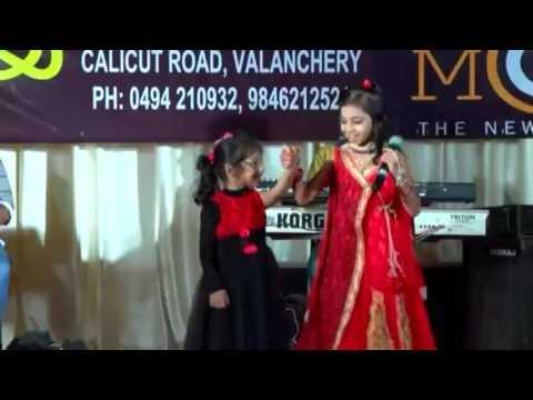 Aake Chuttulakathil' Mappila Song' Singing... Shahana Valanchery | Ganamela Stage Show