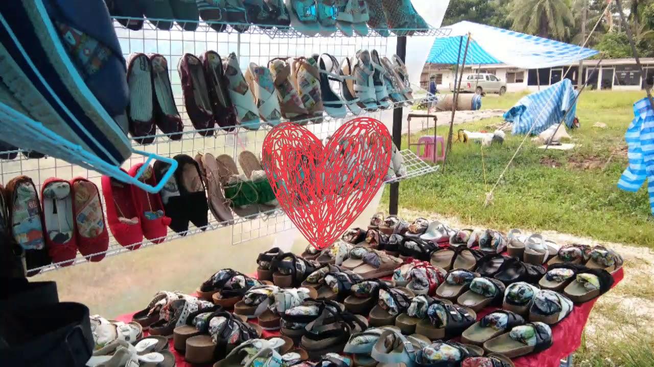 ขีวิตแม่ค้า:ขายรองเท้ามือสอง ตลาดนัด ด้วยรถเก๋งเล็กๆ เอาไปได้ยังไง 200 คู่ พร้อมอุปกรณ์ตั้งร้าน