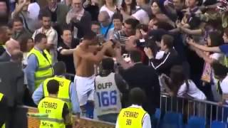 Ronaldo và Messi đá bóng trúng Cổ Động Viên   Và Xem Cách mà họ xử lý